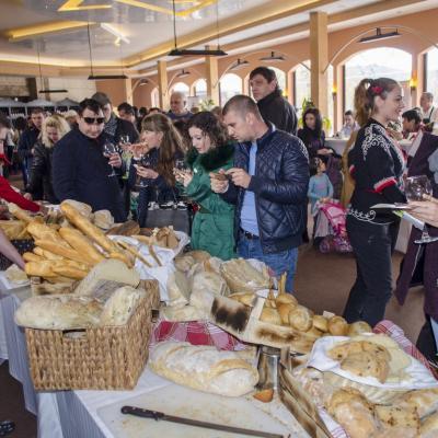 Фестивал  Хляб и Вино 2019  дава старт на коледното настроение на 1 декември!