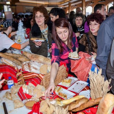 Фестивал  Хляб и Вино  дари 2148 лв. на деца с детска церебрална парализа