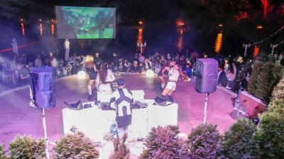 Открихме Летен бар Кибела с впечатляващо DJ парти край езеро Загорка