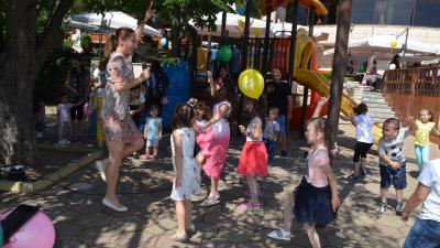 С пъстър детски празник за 1 юни Ресторант Орфеида поздрави децата